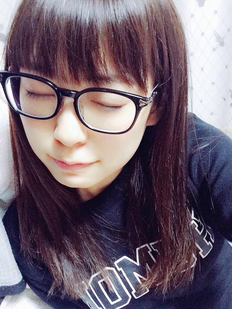 渡辺美優紀 メガネ
