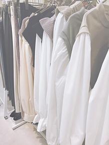 服選びの画像(シッピングに関連した画像)