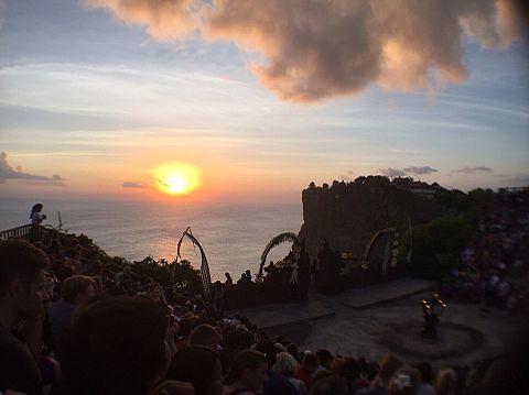 毛原晃 ウルワツ寺院の夕日の画像(プリ画像)