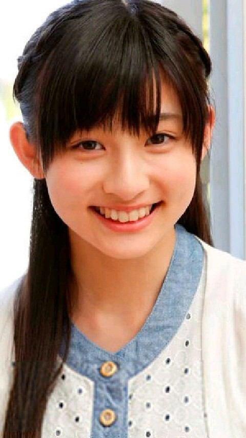 笑顔いっぱいの吉田里琴