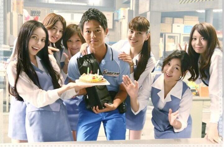 ショムニの制服で誕生日をお祝いする堀内敬子