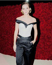 met gala Emma Watsonの画像(Metに関連した画像)
