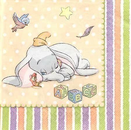 ティモシーと寝ているダンボです。