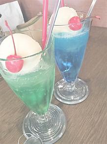 メロンソーダとブルーソーダ プリ画像