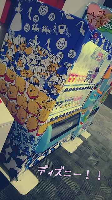 お店にあった自販機!!ディズニーで可愛すぎ♡の画像(プリ画像)