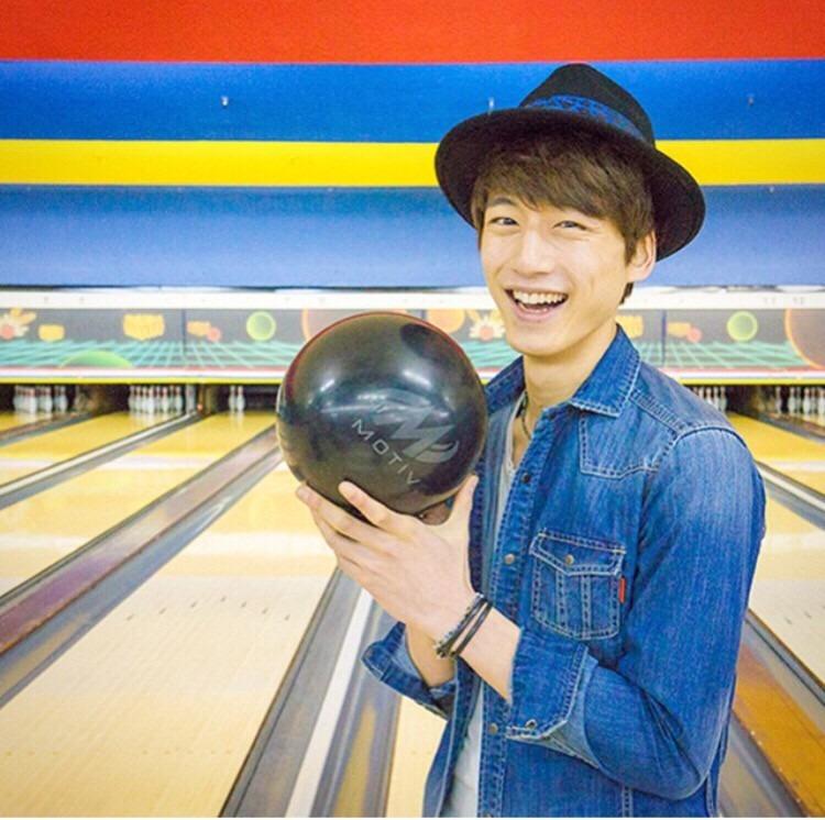 可愛い笑顔の坂口健太郎