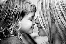 外国人 親子 かわいい 画像 素材 原画 モノクロ 子どもの画像(プリ画像)