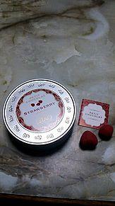 いちごチョコの画像(ホワイトチョコレートに関連した画像)