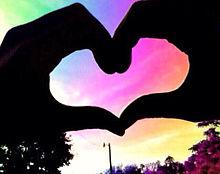 背景虹色 ハートの画像(プリ画像)