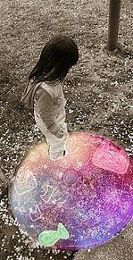 古い写真風 小さな女の子 使用許可必須の画像(オーバーオール 女の子に関連した画像)