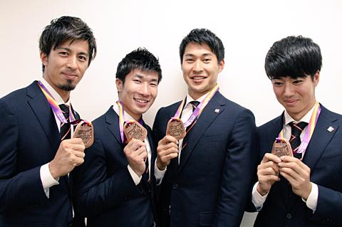 男子リレー//銅メダルの画像 プリ画像