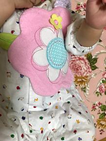 女の子 赤ちゃん ベイビー 花形ステイ よだれかけ プリ画像