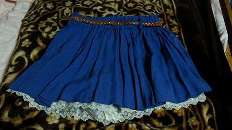 青スカートに合うトップスの画像 プリ画像