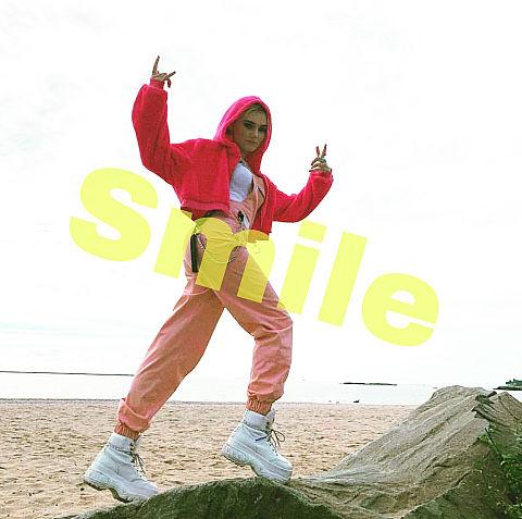 メグ・ドネリー Smileの画像(プリ画像)