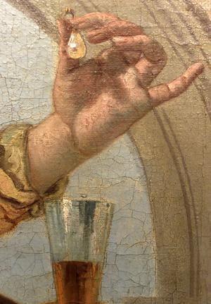Cleopatra drops the pearl
