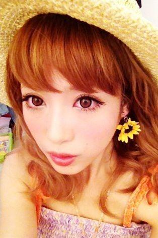 肌がとっても綺麗な肌がとっても綺麗な舟山久美子の画像