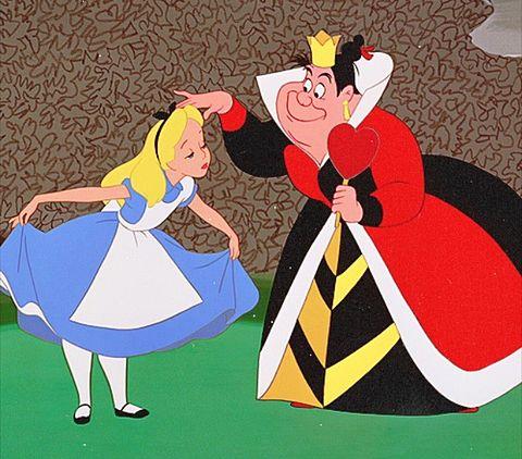 お辞儀をするアリス