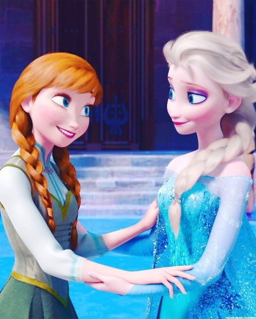 見つめあうアナとエルサ