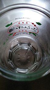 ガラス食器×さくらんぼの酒 プリ画像