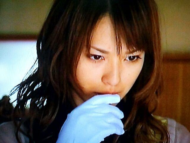 白手袋と戸田恵梨香