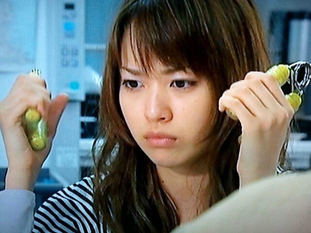握力を鍛える戸田恵梨香