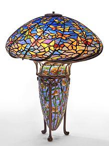蝶々のテーブルランプ 写真右下のハートを押してねの画像(テーブルランプに関連した画像)