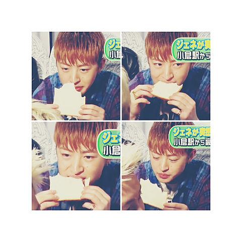 食パンを食べる天使の画像(プリ画像)