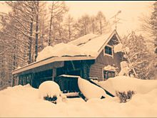 雪のコテージの画像(コテージに関連した画像)