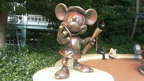 ミッキー銅像の画像(プリ画像)