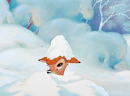 雪に埋もれるバンビ