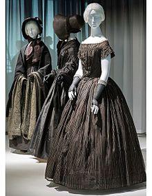 ヴィクトリア朝時代のドレスの画...