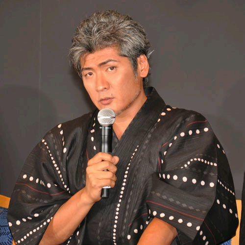 浴衣姿の吉川晃司
