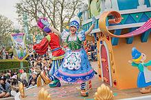 インスタ ディズニー ダンサー 三浦春馬と菅原小春がディズニーで目撃!フライデーされ結婚間近で破局?写真あり。