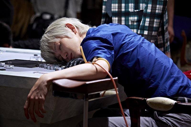 眠るアカギの本郷奏多