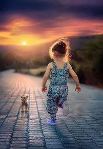 夕焼け空と女の子の画像(プリ画像)