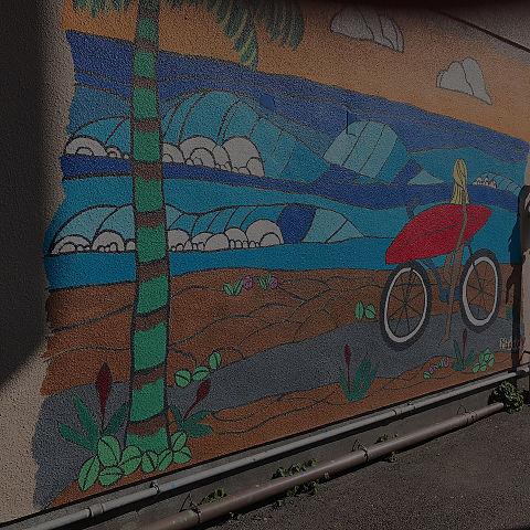 路地裏 壁 映 海の画像(プリ画像)