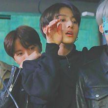 BTS  ぐくの手が可愛すぎる  🔍⤴︎ ⤴︎の画像(suga/ミンユンギ/ユンギに関連した画像)
