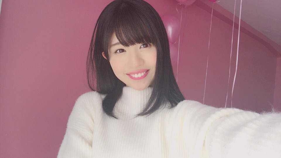松田好花のニット画像