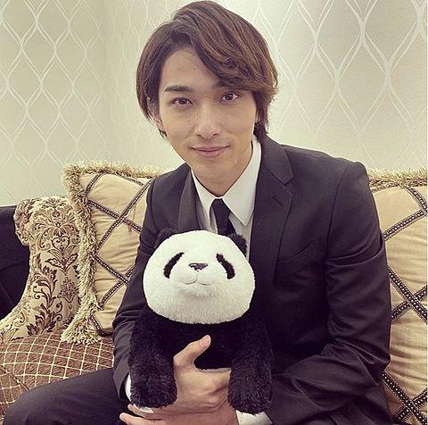 白でも黒でもない世界で パンダは笑う 歌