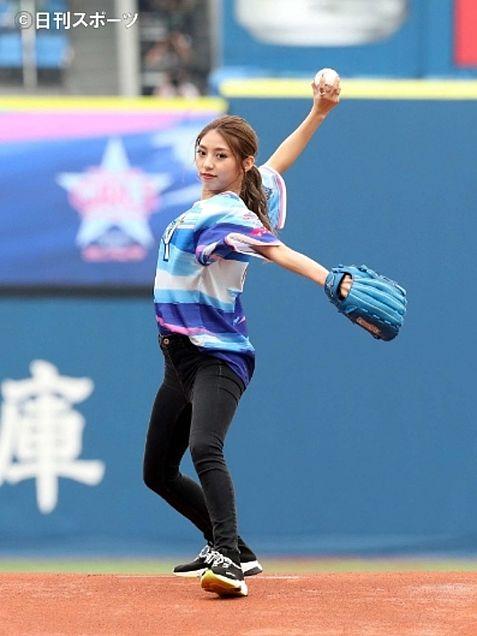E-girls SAYAKA 始球式の画像 プリ画像