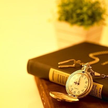 懐中時計 × 本の画像(プリ画像)