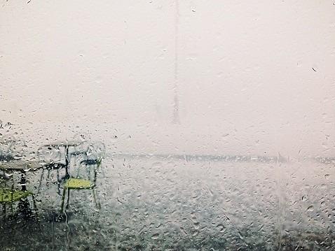 雨宿りの画像 プリ画像