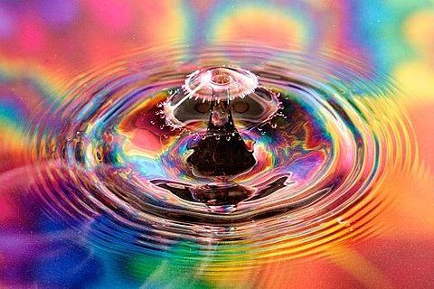 虹色の波紋の画像(プリ画像)