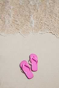 ピンクのビーチサンダルの画像(プリ画像)