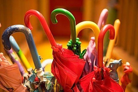 カラフルな傘の画像(プリ画像)