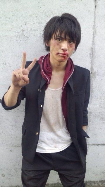 顔が傷だらけの佐野和真がイケメン