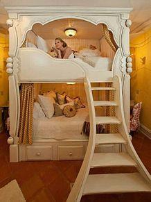 質問。ベッド〜の画像(家具に関連した画像)