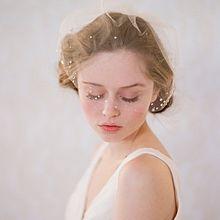 好印象ネイルを作る色。上品で爽やかな『白』で大人の夏ネイルを楽しみたい。の画像(プリ画像)