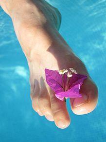 恋する女性におすすめのカラー濃いピンク♪夏ネイルに取り入れて女性らしさアップ!の画像(女性らしさに関連した画像)