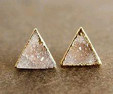 ネイルには三角形がハマる。可愛い三角フレンチネイルデザイン集の画像(三角フレンチに関連した画像)